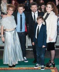 Энди Серкис с родными