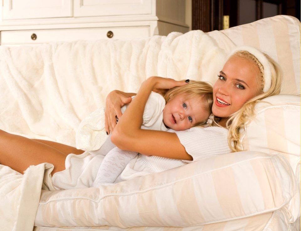 Сын стащил с мамы одеяло 22 фотография
