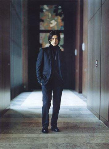 фото Такеши Канеширо