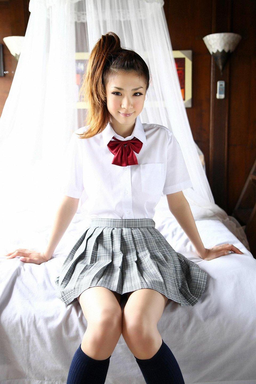 Фото азиаток в юбках 18 фотография