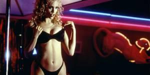 7 лучших сцен стриптиза в кино