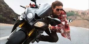 В кино на этой неделе: «Миссия невыполнима 5», жестокий репортер и Стэйтем-игроман