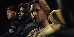 Зачем смотреть сериал «Колония» от создателя «Lost»