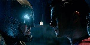 В кино на этой неделе: Бэтмен против Супермена, «красная угроза» и Docudays