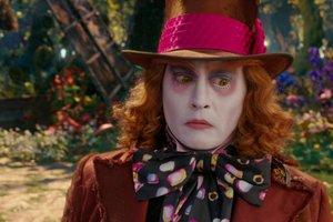 Стоит ли смотреть: «Алиса в Зазеркалье»