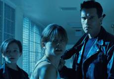 Шварценеггер и Линда Хэмилтон воссоздали фото со съемок «Терминатора 2»