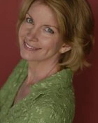 Мэгги Коннелли фото
