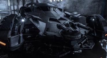 Зак Снайдер опубликовал фото нового Бэтмобиля
