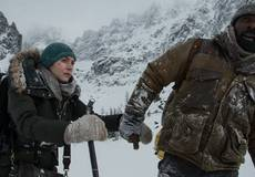Кейт Уинслет и Идрис Эльба в первом трейлере «Между нами горы»
