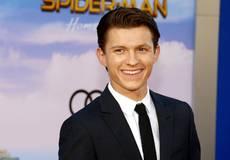 Том Холланд показал новый костюм Человека-паука