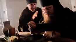 """Кадр из фильма """"Монах и бес"""" - 2"""