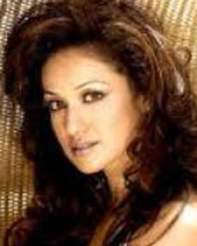 Мадхури Бхаттачария фото