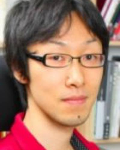Ясухиро Ёсиура фото
