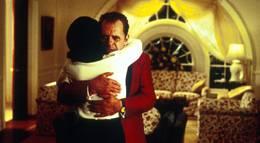 """Кадр из фильма """"Никсон"""" - 2"""