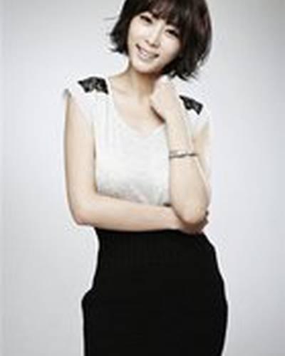 Кан Йе Вон фото