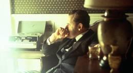 """Кадр из фильма """"Никсон"""" - 1"""