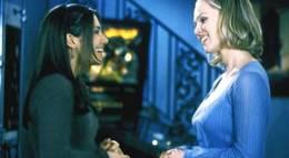 "Кадр из фильма ""Беверли-Хиллз 90210"" - 1"
