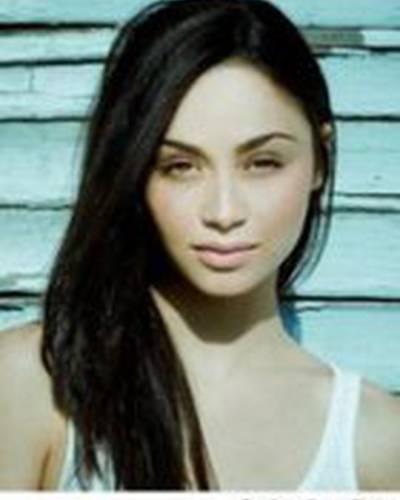 Кара Сантана фото