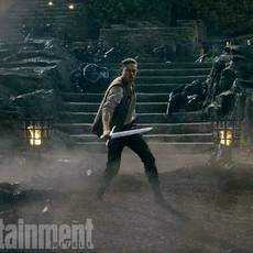 "Кадр из фильма ""Меч короля Артура (Король Артур: Начало легенды)"" - 1"