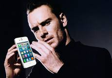 Майкл Фассбендер забирает Apple у Кристиана Бэйла