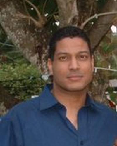Омар Хосейн фото