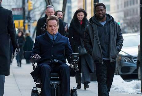 Ремейк комедии «1+1» возглавил американский прокат