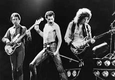 Музыканты Queen хотят, чтобы Фредди Меркьюри играл гей