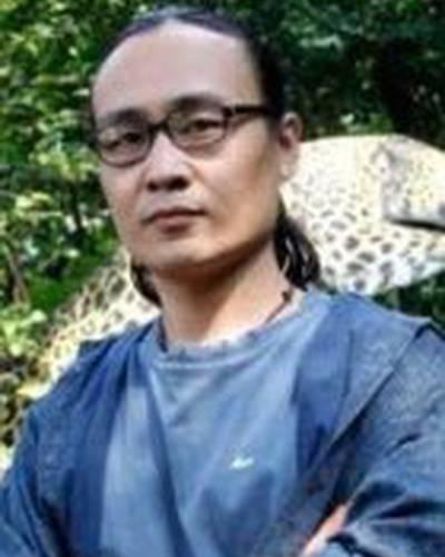 Хунци Ли фото