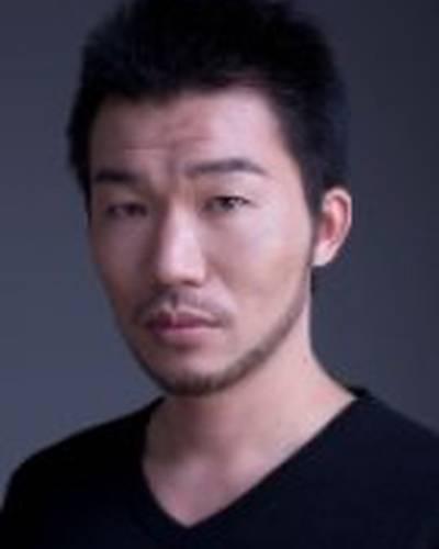 Цутому Такахаси фото