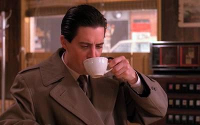 Выпить кофе красиво: 5 знаменитых кафе из телесериалов