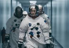 Почему из фильма про Нила Армстронга вырезали важную сцену