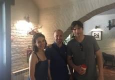 Мила Кунис и Эштон Кутчер посетили Черновцы