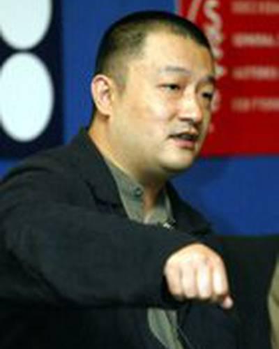 Ван Сяошуай фото