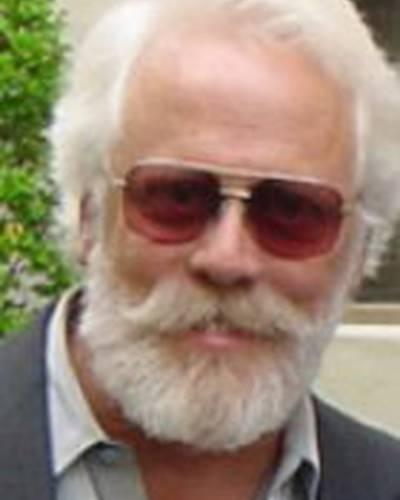 Дж.Дж. Херцлер фото