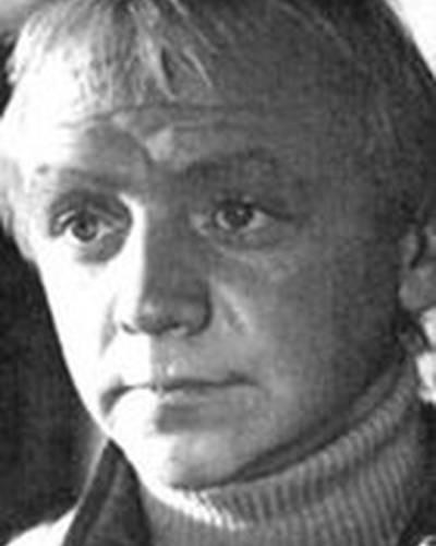 Виктор Перевалов (1949, 61 год) — oKino.ua: http://www.okino.ua/name/viktor-perevalov-nm174684/