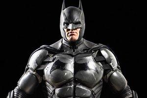 Фанат создал уникальный костюм Бэтмена с 23 рабочими гаджетами