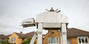 Флоридец создал во дворе огромную модель машины из «Звездных войн»