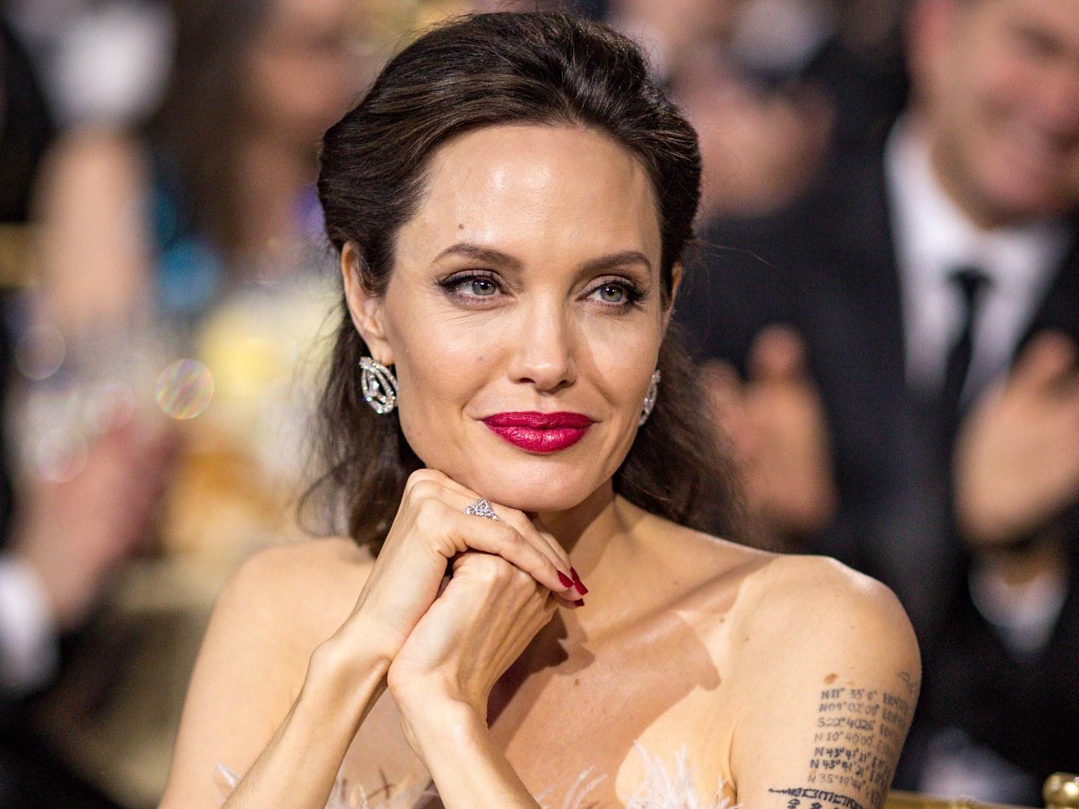 Анджелина Джоли будет мамой Питера Пена