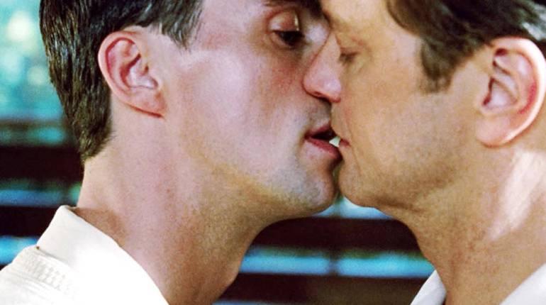 Кинофильмы про гомосексуалистов онлайн