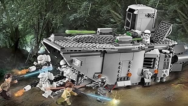 Десантный транспортер Первого ордена в наборе Lego