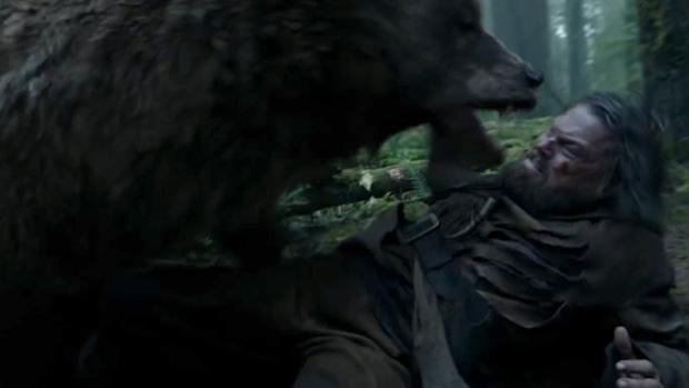 """сцена нападения медведя в """"Выжившем"""""""