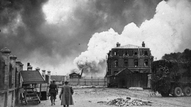 порт Дюнкерк после немецкой бомбардировки