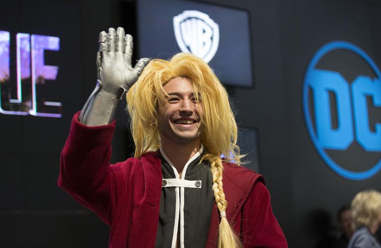 Эзра Миллер на Comic Con 2017