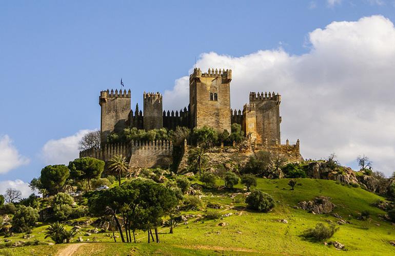 Кастильо де Альмодовар дель Рио, Испания