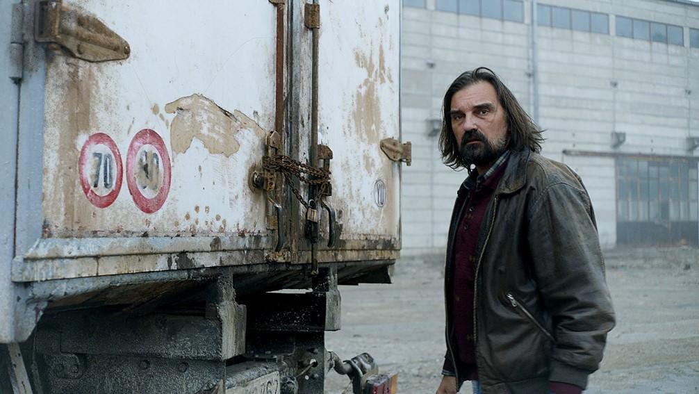 кадр из фильма «Груз»
